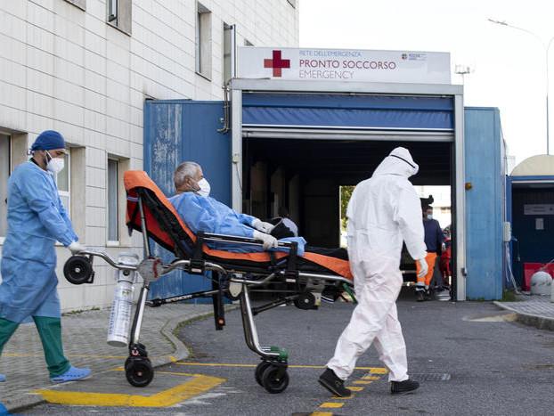 Covid, 2 decessi in Trentino 222 nuovi positivi, aumentano i ricoveri: 127, 9 sono gravi