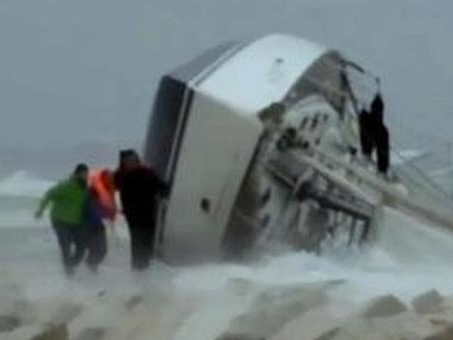Maltempo, turista francese muore in naufragio in Sardegna davanti alla moglie