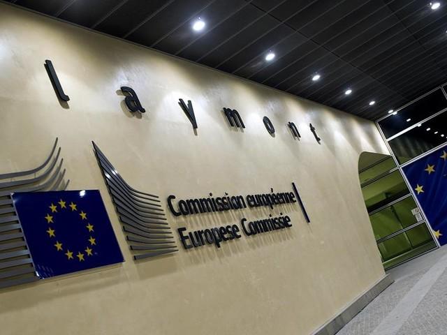 La Commissione Ue boccia l'Italia: nel 2019 crescita solo dello 0,2%