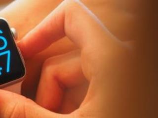 """Cina, governo lancia gli smartwatch per """"controllare i bambini"""""""