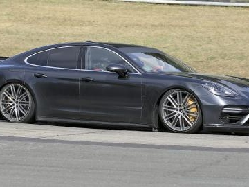 Porsche Panamera, in rampa la versione monstre. Ultime news