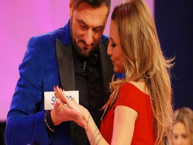 Ursula Bennardo incinta di Sossio Aruta – Video