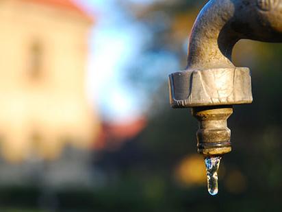 Idrico: resta l'emergenza con l'acqua che non accenna a tornare
