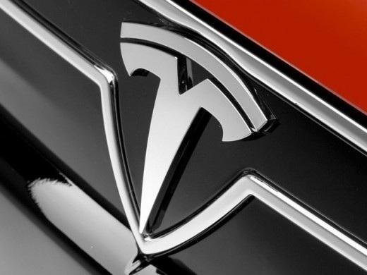 Tesla e AMD insieme per l'Intelligenza Artificiale | rumor