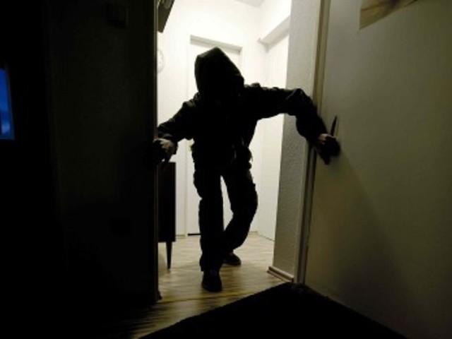 Ladri col flessibile negli uffici di Alea: forzata la cassaforte, fuga col bottino
