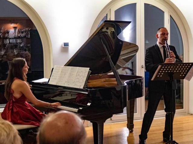 """Roma: al """"Circolo degli esteri"""" l'elegante concerto di Emanuela Chiodi ed Eros Mele """"Come fosse… Schubertiade""""."""