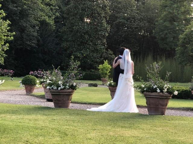 Napoli, matrimonio al ristorante con 30 invitati: multati anche gli sposi