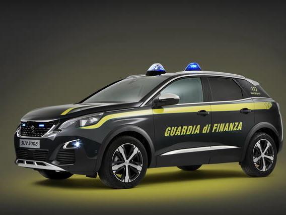 La Peugeot 3008 in dotazione alla Guardia di Finanza