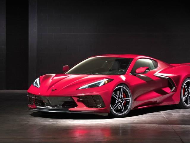Chevrolet Corvette, la rivoluzione del motore centrale. Ora è una supersportiva – FOTO