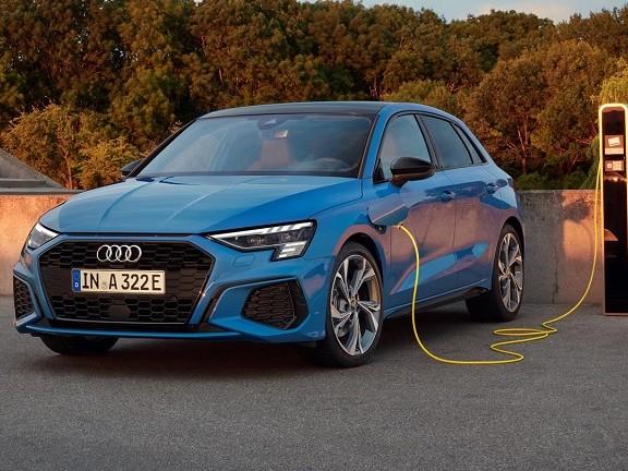 Audi A3 Sportback, debutta la variante ibrida plug-in