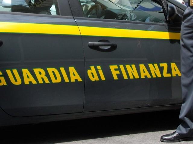 Maxi operazione della Finanza: sequestrate 3 società del valore di 7 milioni di euro, diverse persone denunciate