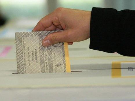 Nuovo round sulla legge elettorale a settembre: nodo sui premi alle coalizioni