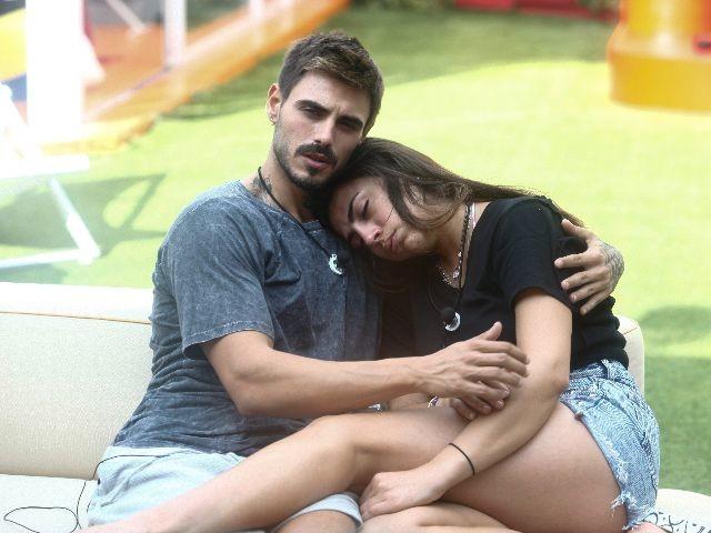 """Francesco e Giulia news, lei non dimentica: """"Quanto rumore fa un sorriso"""""""
