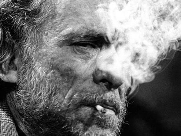 Quando Charles Bukowski scriveva per cento dollari al mese