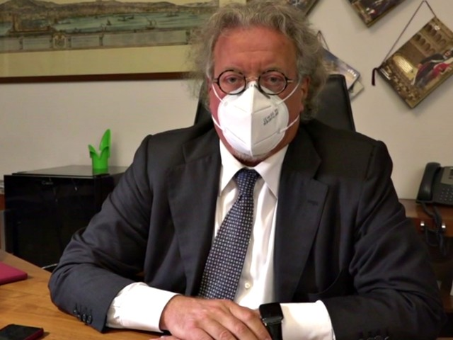 """Coronavirus, il presidente dell'Ordine dei medici di Napoli: """"Tracciamento saltato, con questa crescita non reggiamo altre due settimane"""""""