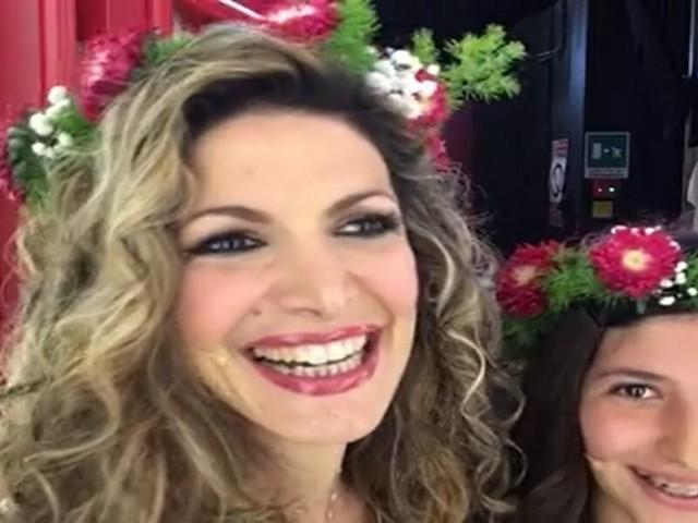 """MARIA MONSÈ E PERLA MARIA A POMERIGGIO 5/ """"Lei una baby star? La lascio libera"""""""