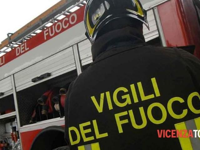"""Vigili del fuoco in protesta a Roma: """"Non chiediamo privilegi ma uguale trattamento"""""""