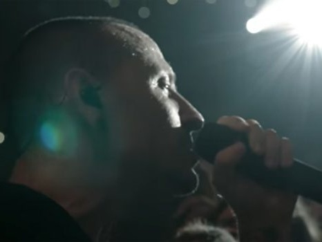 Video, testo e traduzione di One More Light dei Linkin Park, ultimo singolo con Chester Bennington
