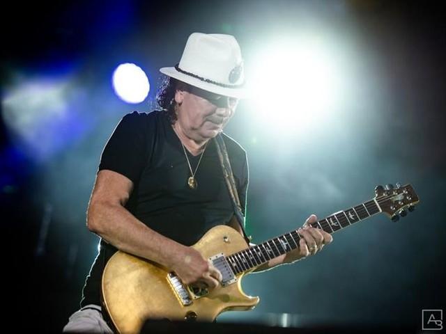 Santana, ascolta il primo singolo 'Los Invisibles' dal nuovo album 'Africa Speaks'