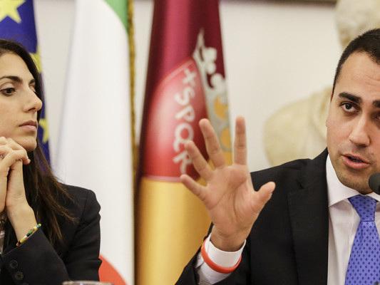 """Di Maio smentisce le voci: """"Il Movimento 5 stelle non ha abbandonato Virginia Raggi"""""""