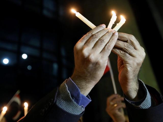 """I cristiani scendono in piazza: """"Fede dissacrata senza rispetto"""""""