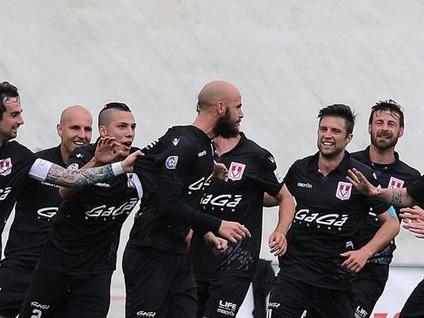 Il Varese vola in finale playoff. Caronnese battuta 1 a 0