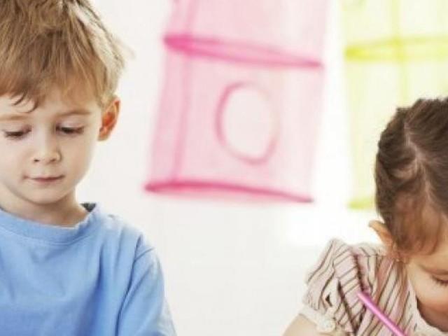 Macerata si tinge di azzurro per la giornata per i diritti dell'infanzia