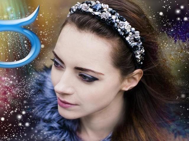 L'oroscopo di domani 24 ottobre, prima sestina: Toro 'sbanca' in amore, Gemelli fortunato