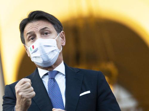 Sondaggi politici, 54% degli italiani con Conte