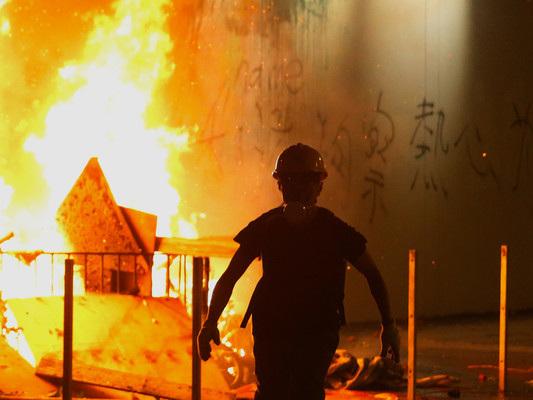 Come può reagire, in concreto, la Cina di fronte alle proteste a Hong Kong?