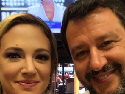 Salvini-Asia Argento, lite in tv. Poi fanno pace così