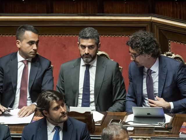 Il silenzio di Di Maio mentre esplode la crisi