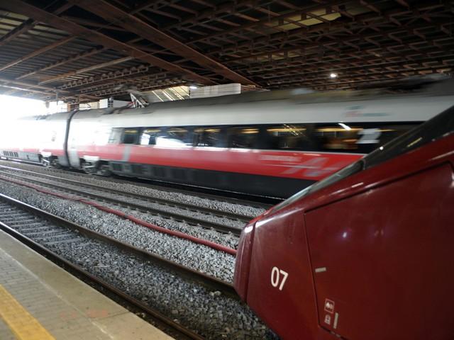 Treni, l'ira di Speranza contro la De Micheli. E Italo cancella le corse