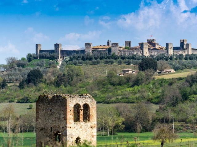 La Toscana di Dante: dieci buoni motivi per visitare Monteriggioni