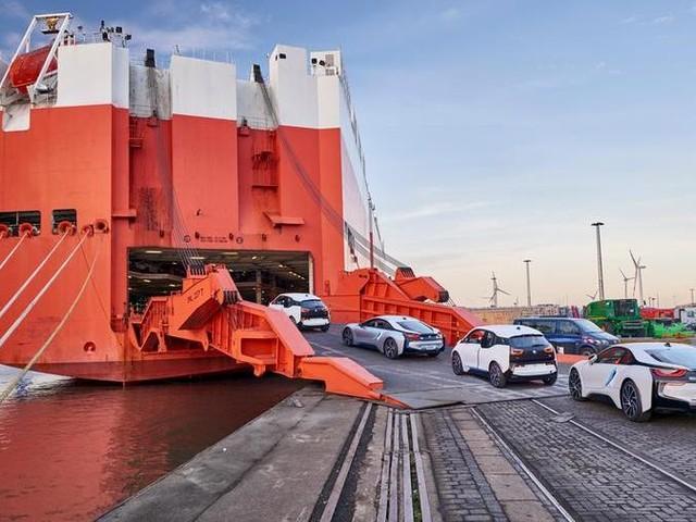Dalle strade agli oceani: trasporti via mare sempre più green per le case auto