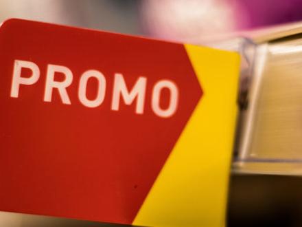 Promozioni: convengono davvero? Tra offerte continue, la caccia allo sconto trasforma i consumatori e si sposta online