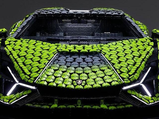 Lamborghini Sián FKP 37: quella fatta di Lego è a grandezza naturale