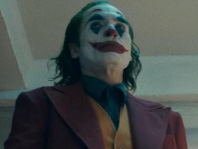 """Joker, già pronto il sequel?/ Il regista Todd Phillips """"Se la Warner me lo chiede…"""""""
