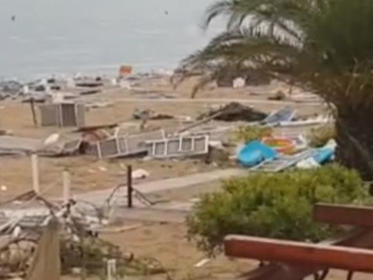 Adriatico flagellato dal maltempo Turisti in fuga dalle spiagge
