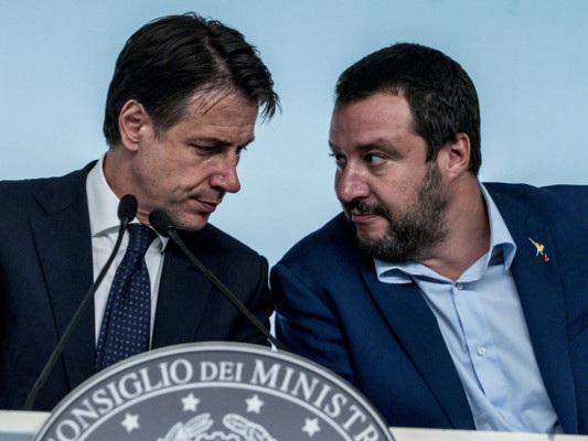 """L'attacco del Pd a Salvini stavolta è frontale. Lui: """"Provocazioni"""""""