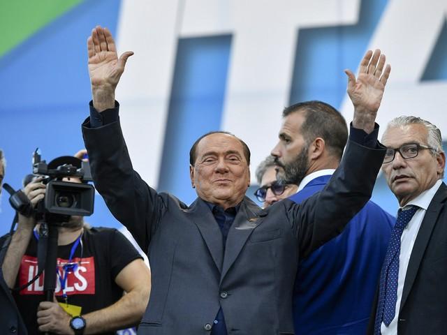"""Berlusconi boccia la manovra: """"Nessuna spinta a economia"""""""