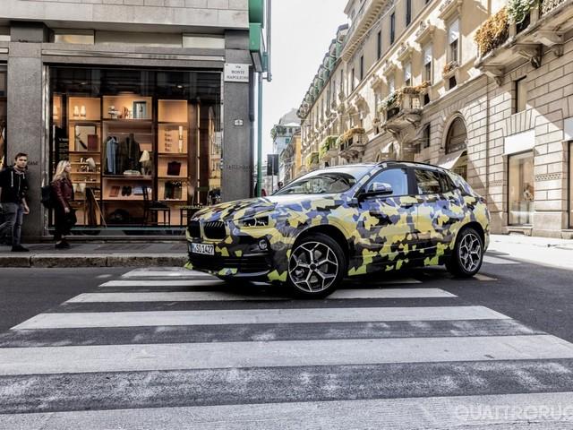 BMW X2 - Il prototipo camuffato alla Milano Fashion Week