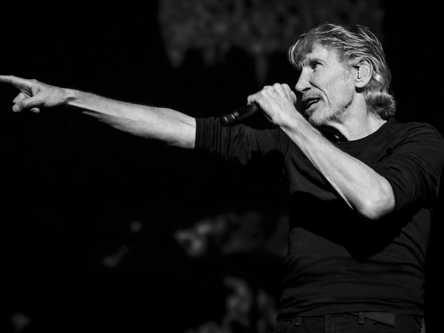 """Roger Waters, ecco """"Smell the roses"""", il primo singolo da """"Is This the Life We Really Want?"""""""