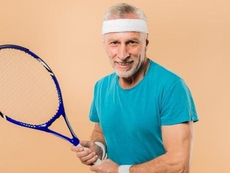 Cuore & racchetta: anche gli over 65 più in forma grazie al tennis