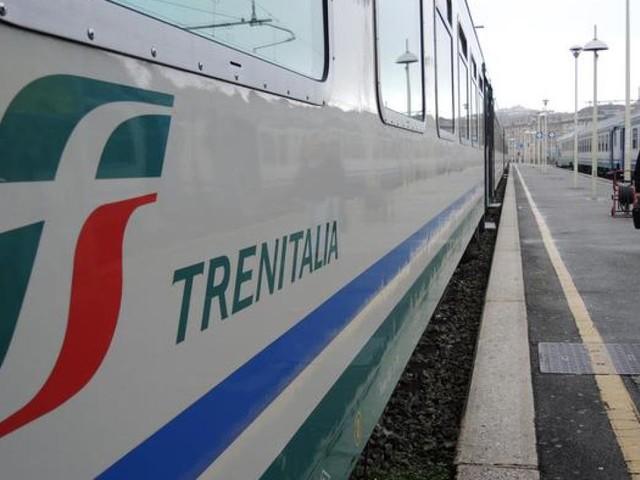 Sciopero del 25 novembre Trenitalia, Trenord, Atm, Atac e Eav: dettagli per Milano, Roma, Napoli