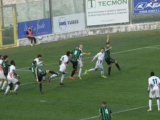 Il punto sulla Serie D. La Vibonese cerca una vittoria a Palmi che manca da 33 anni Testacoda a Isola Capo Rizzuto dov'è di scena il Troina