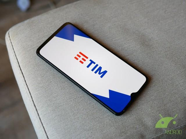 Le offerte di dicembre di TIM offrono fino a 50 Giga e partono da 5,99 euro al mese