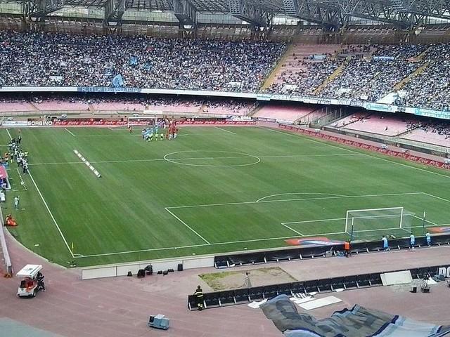 Napoli-Stella Rossa visibile domani sui canali SkySport e in streaming su SkyGo