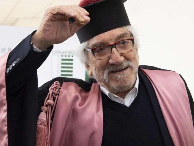 """L'ultima lezione del prof. Gigi Proietti: """"Il teatro andrebbe curato di più dalle istituzioni"""""""