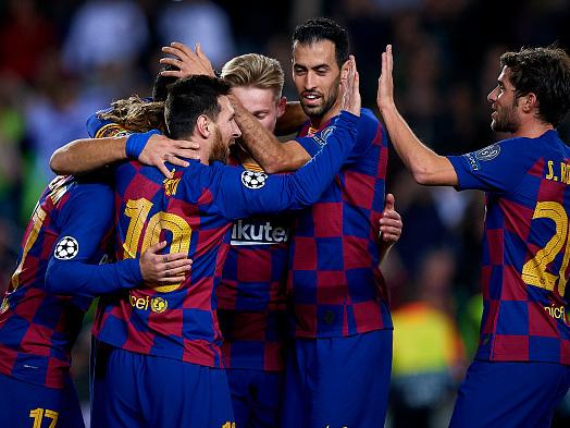 Spagna, prezzi folli per Ibiza-Barça: biglietti e paella per 2500 euro!